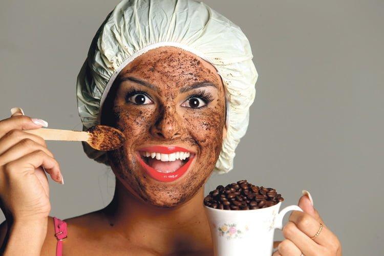 máscara facial de café